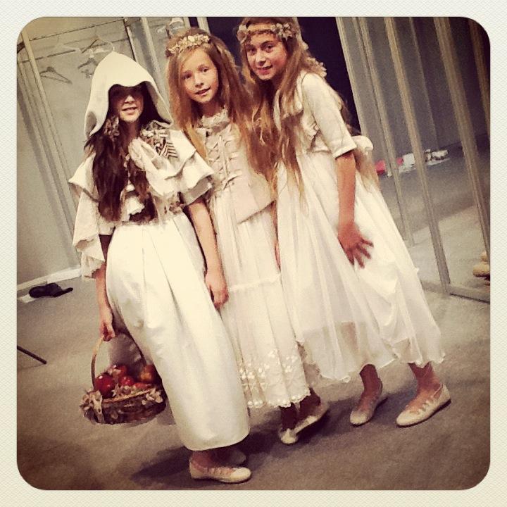 cibeles-madrid-novias-2012- Rubio Kids -modelos-de-comunion-y-arras la casita de Martina blog de Moda Infantil Carolina Simó