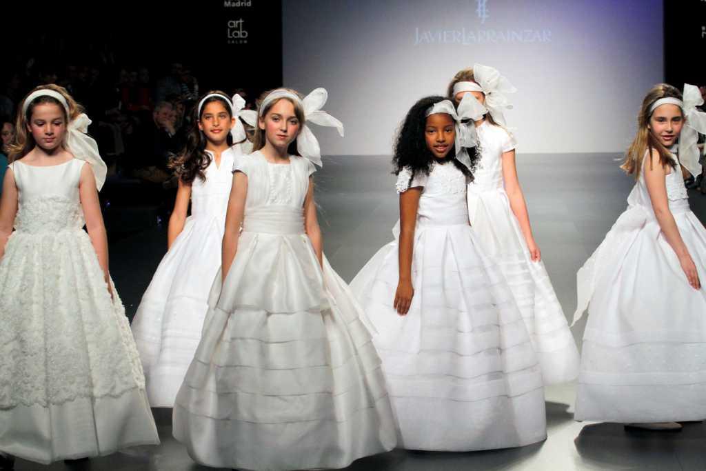 MADRID NOVIAS JAVIER LARRAINZAR desfiles comunión - La casita de Martina Blog Moda Infantil