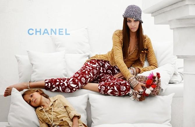 Joan-Smalls-Blog Moda Infantil, Chanel, Hudson Kroenig, La casita de Martina, Carolina Simó, Ropa Niños