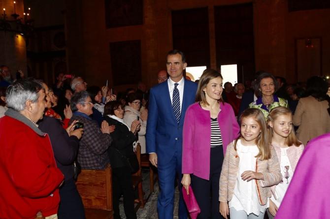 ropa Princesa Leonor, Infanta Sofia, reina Leticia, Misa de Pascua, Blog de Moda Infantil, 3