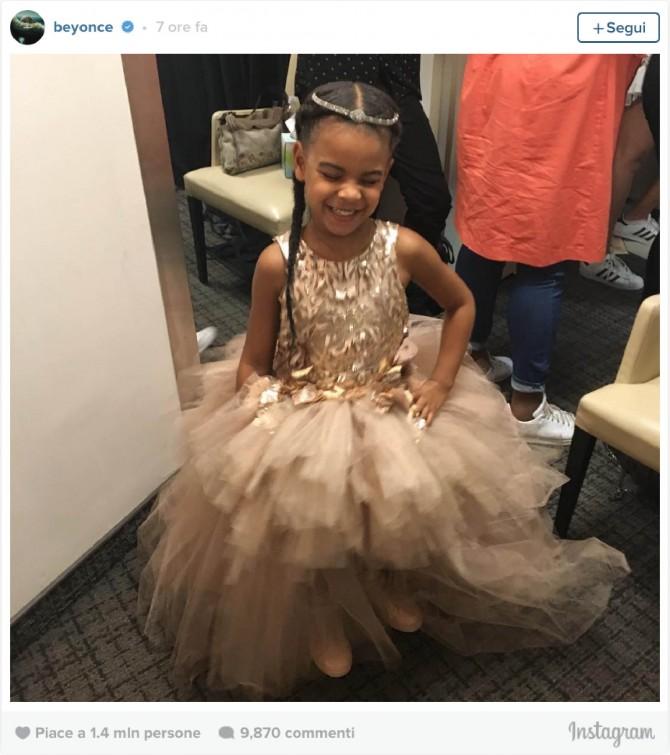 Beyonce, Blue Ivy, Premios MTV, Vestido Blue Ivy, Mischka Aoki, Moda Infantil, Blog de Moda Infantil