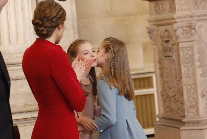 marca del vestido princesa Leonor, Toison de Oro, Vestido infanta Sofia, La casita de Martina, Blog Moda Infantil