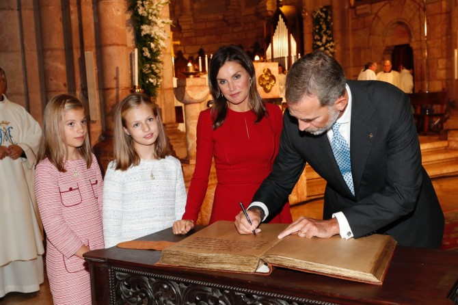 Leonor y Sofia, vestido princesa Leonor, marca vestido infanta Sofia, Blog moda infantil