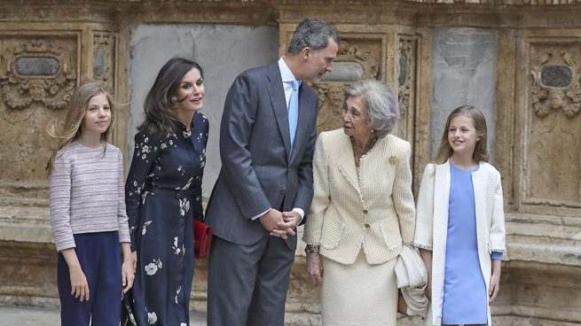 Vestido Princesa Leonor, Misa de pascua, marca vestido Leonor, Moda Infantil, La casita de Martina