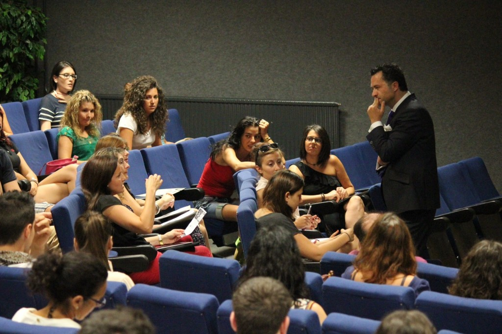 Bere Casillas, Universida de Alicante, Carolina Simó Blog de Moda Infantil y moda Premamá.jpg