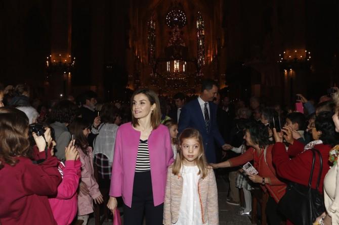 ropa Princesa Leonor, Infanta Sofia, reina Leticia, Misa de Pascua, Blog de Moda Infantil